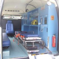 perbedaan mobil jenazah dan ambulance