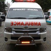 mengapa tulisan ambulance terbalik